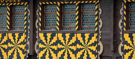 façade de vieux chalet dans la canton d'uri