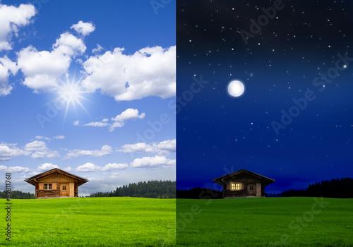 canvas print picture Blockhütte bei Tag und bei Nacht
