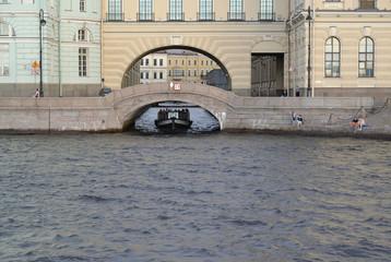 St. Petersburg.  View of Ermitazhny Bridge and Winter flute