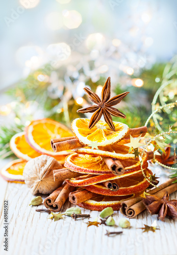 Christmas spices - 69815922