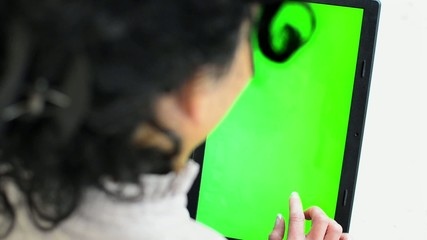 Business woman using Tablet CHROMA KEY