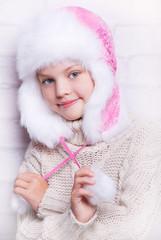 девочка в зимней шапке