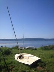 barca in lago