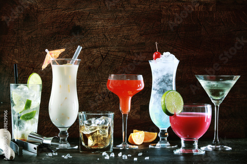 Selection of festive Christmas drinks - 69829906