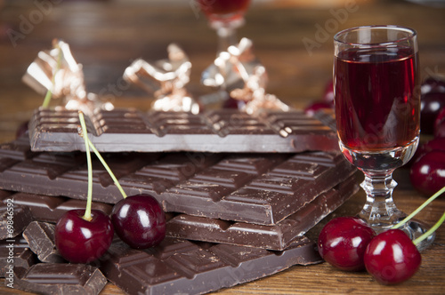 Chocolate and cherry liqueur - 69846592
