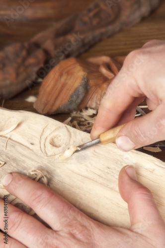 Wood sculpting - 69849133