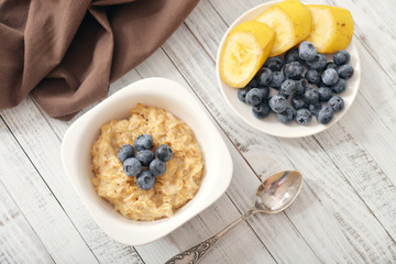 Porridge with bananas and blueberry