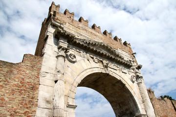 Arco d'Augusto 3