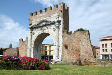 Arco d'Augusto 4