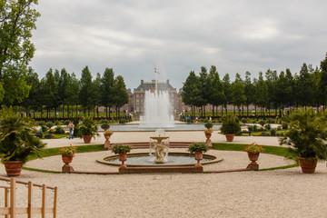 Panorama van de fonteinen en tuinen jachtslot het Loo