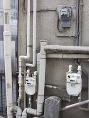 集合住宅の配管とメーター