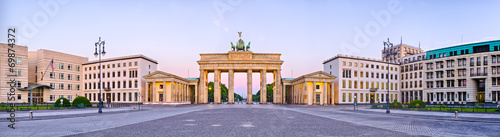 Leinwandbild Motiv Brandenburg Gate in panoramic view, Berlin, Germany