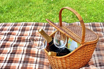 Romantic Picnic with champagne