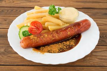 Currywurst und Pommes frites
