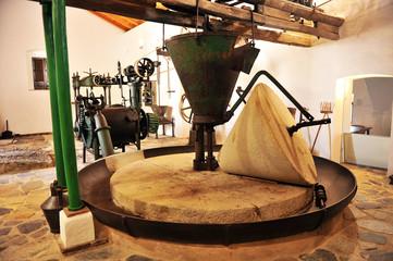 Viejo molino de aceite de oliva