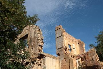 Ruinas Real Monasterio de Santa María de Nogales, León.