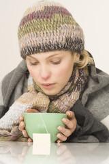 Frau mit Teeschale,Portrait