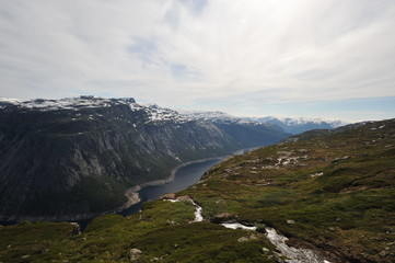 Plateau Hardangervidda, Norway, way to the Trolltongue