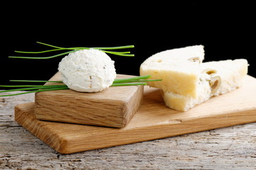 Healthy low fat cream cheese and chopped chives