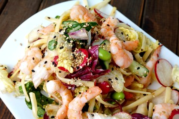 delicious summer prawn and noodles salad