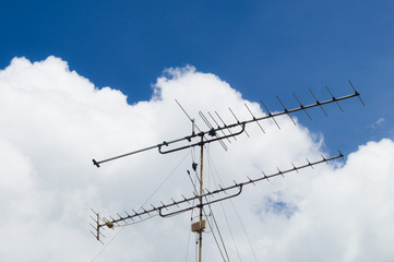 TV-antenna with clipping path