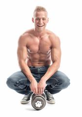 Fröhlicher Bodybuilder