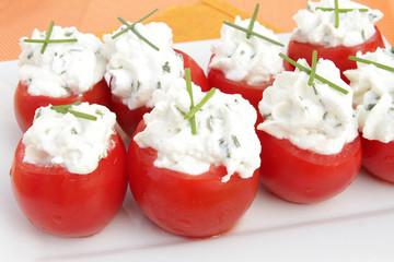 petites tomates au chèvre