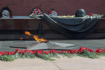 Tomb of the Unknown Soldier with burning flame in Moscow