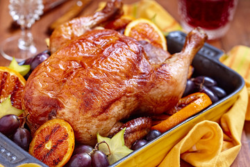 Roasted chicken with fruits