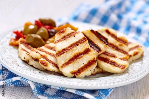 Fotobehang Salade Halloumi cheese