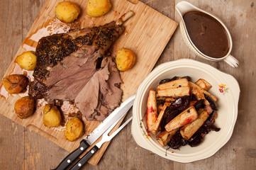 roast leg of lamb with roast vegetables