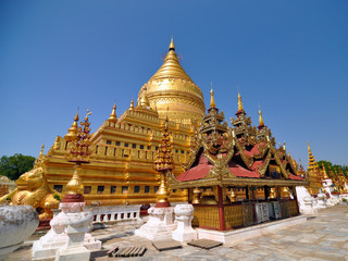 Shwezigon Paya Pagoda, Landmark in Bagan