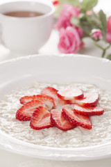 oatmeal and strawberries