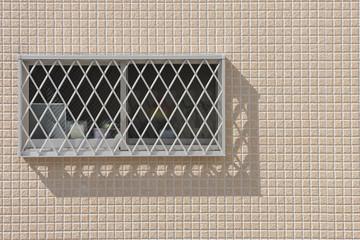 面格子がついた窓
