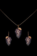 Gold and diamond necklace with earrings