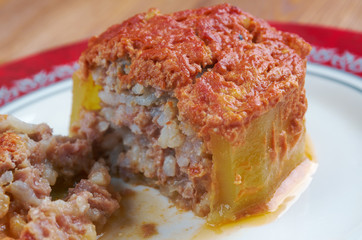 zucchini stuffed with beef and rice