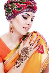 henna being applied