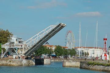 pont levant port de La Rochelle