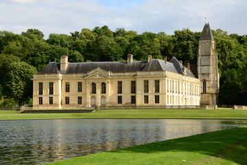 France, the picturesque castle of Mery sur Oise