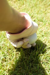 Placing golf ball