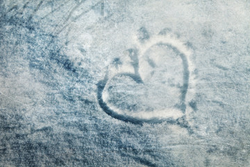 Grunge frozen heart sign