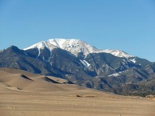 Great Sand Dunes und Rocky Mountains