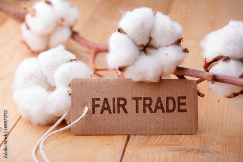 Leinwanddruck Bild Fair Trade - Fairer Handel - Baumwolle