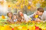 Fototapety happy autumn family