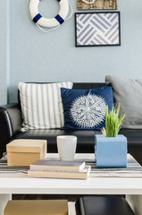 living room design with blue wall