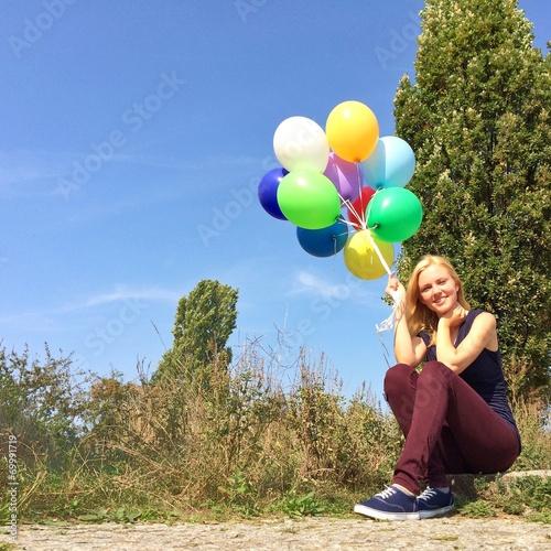 canvas print picture Mädchen mit Ballons im Park