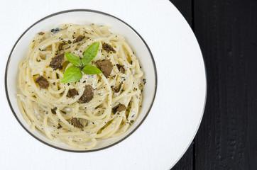 Spaghetti with fresh black truffle
