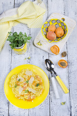 Risotto with apricots