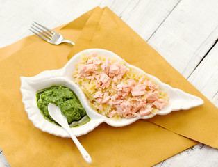 pasta with steamed salmon and pesto sauce