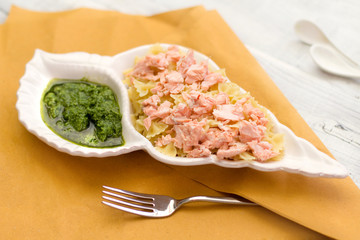 pasta recipe with steamed salmon and pesto sauce